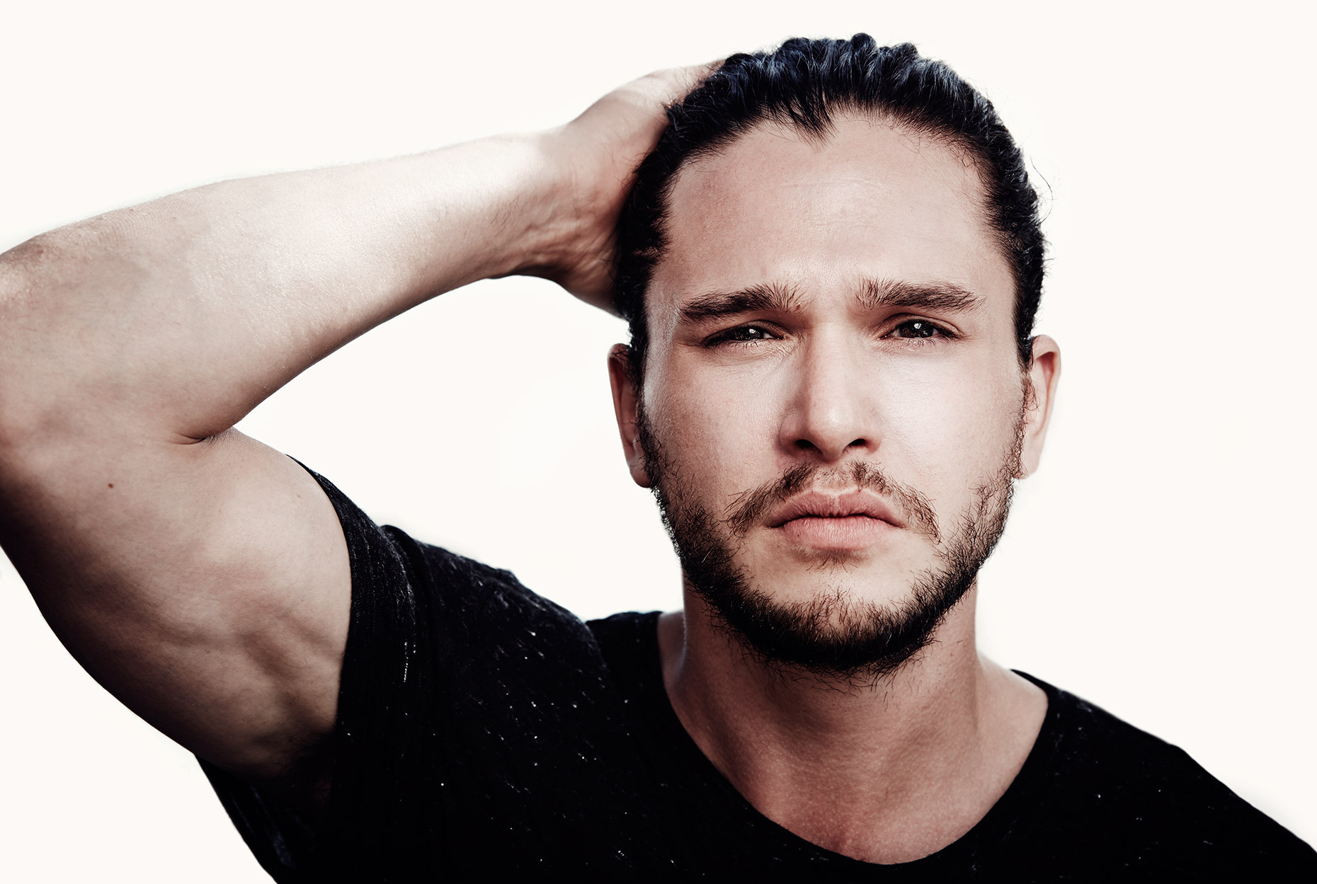 01_kit-harington_3672